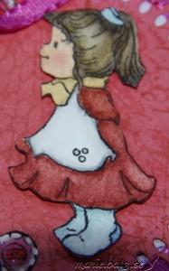 button girl3